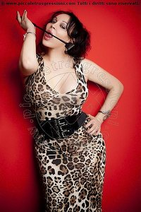 3° foto di Padrona Lara Leon Mistress trans