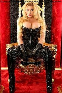 2° foto di Brigitte Von Bombom Mistress trans
