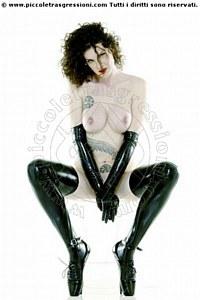 Foto di Padrona Lola Italiana Mistress trans