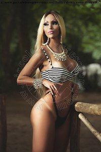 4� foto di Barbie Lee Trans