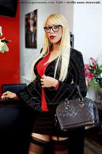 5° foto di Nina La Divina Mistress trans